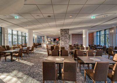Park Inn by Radisson Koeln City West Restaurant Tische